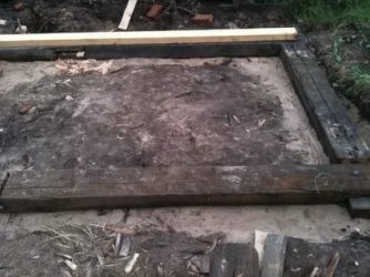 Фундамент под баню из шпал