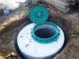 Смотровой колодец для водопровода из бетонных колец